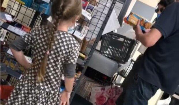 """""""Это наше будущее - нет слов"""": маленькая харьковчанка прославилась после брани в супермаркете, видео"""