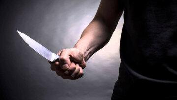 Мужчину жестоко изрезали в Киеве: «телефон ценой в жизнь», ужасные кадры