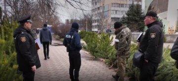 """На Одещині напали на копа через ялинки: """"Огріли трубою по голові"""""""