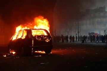 Акции протеста переросли в массовый расстрел: десятки погибших, детали и кадры с места трагедии