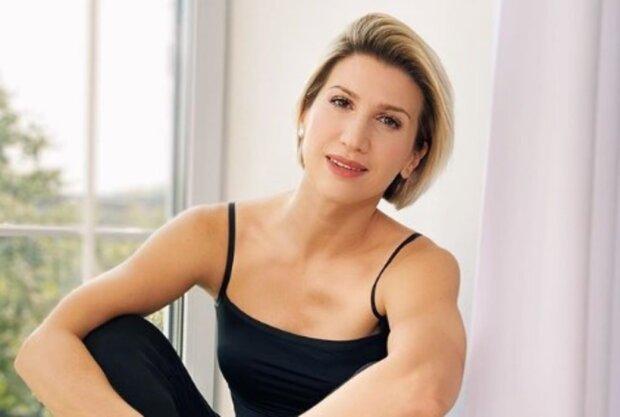"""Тренер """"Зважені та щасливі"""" Аніта Луценко без спортивного костюма розповіла, за що любить себе в дзеркалі: """"У мене…"""""""