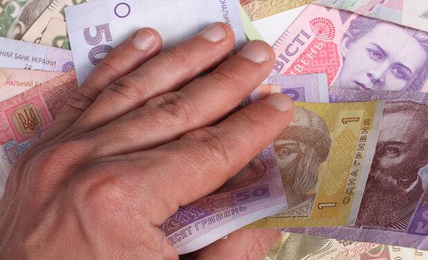 На что украинцам не хватает денег