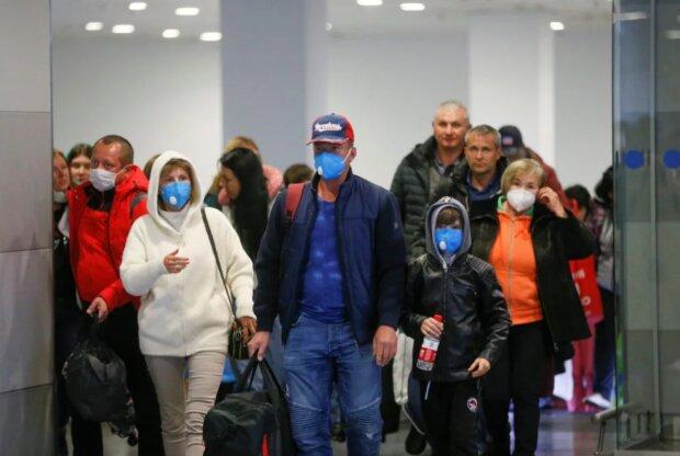 Спливли нові нюанси евакуації українців з Уханя: «На борту буде...»