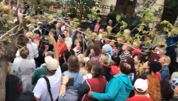 """""""Мы боимся"""": жители Одесчины восстали против решения Минздрава, видео бунта и подробности"""