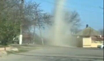 Смерч пронесся под Одессой: появилось видео стихийного явления