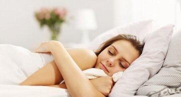 Почему полезно спать голышом: молочница, вес и кожа
