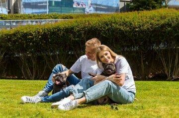 """Вагітна дружина зірки збірної Зінченко захопила фотосесією в прозорому вбранні: """"Просто неперевершена"""""""