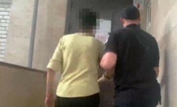 """""""Вдарила ножем у шию"""": спільне проживання колишнього подружжя призвело до трагедії в Одесі"""