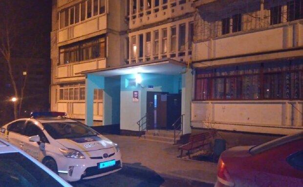 Стрілянину відкрили в багатоповерхівці під Одесою, є постраждалі: кадри і що відомо
