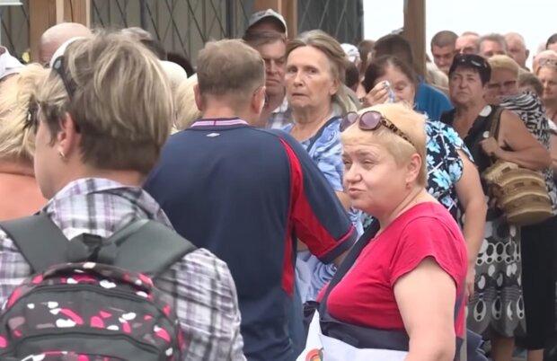 """Боевики начали массовую облаву на жителей Донбасса: """"500 долларов штрафа за..."""""""
