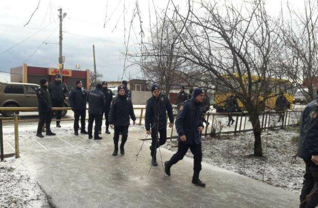 На Київщині безслідно зникла 12-річна дівчинка, кинуті сили на допомогу: фото і прикмети