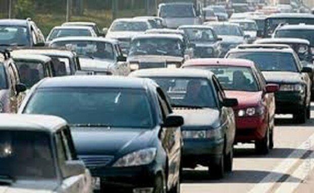 ДТП з пожежною машиною заблокувало рух в Одесі: епічні кадри