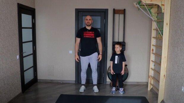 Тренер Насти Каменских показал интенсивную тренировку для детей в домашних условиях: полезное видео