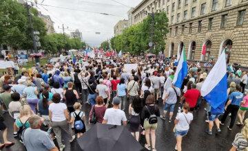 """Бунти в Росії вийшли за межі Хабаровська, повстали Пітер і Москва, кадри: """"З батьківщиною біда"""""""
