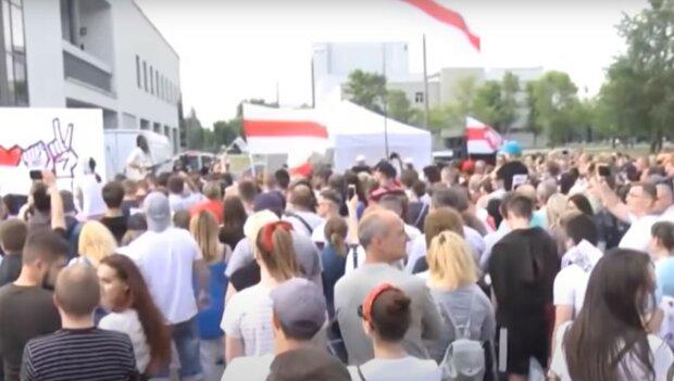 """Белорусы устали бояться и высказали свое негодование Лукашенко: """"не готовы еще 5  лет..."""""""