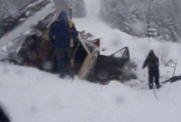 Непогода наделала беды на Львовщине, дороги перекрыты: где не проехать