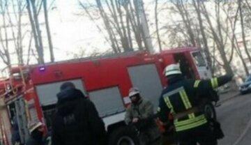 Пожежа спалахнула в Харківській багатоповерхівці, евакуювали 20 осіб: є постраждалі, кадри НП