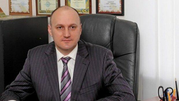 voennaya-prokuratura-zaderzhala-mera-goroda-romny-na-vzyatke-1