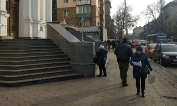 В Одессе распространяют листовки против эвакуированных из Китая: видео наделало шуму