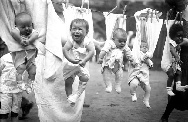 37BE9D1100000578-3775106-Hung_out_to_dry_These_babies_are_not_enjoying_being_kept_out_of_-a-30_14731