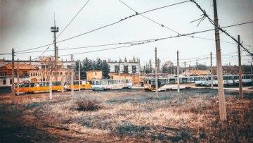 """""""За допомогою російських братів"""": у мережі показали, що окупанти зробили з транспортом у Луганську"""