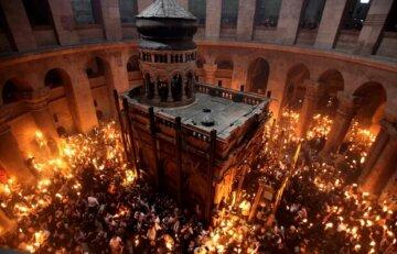 Благодатний вогонь зійшов у Єрусалимі: коли він прибуде до України