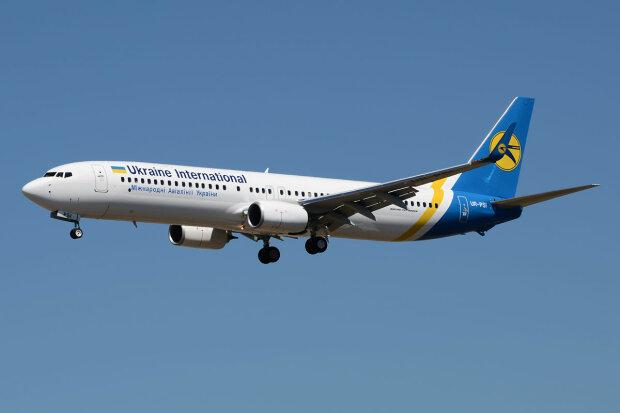 Український літак не долетів до Єгипту, сталась НП