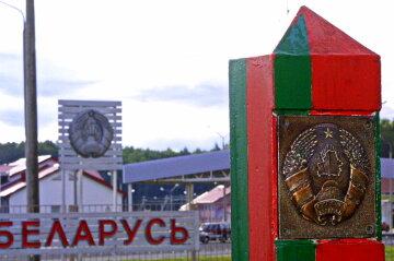 Українців із новими паспортами не пускають до Білорусі