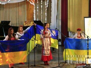Как освобожденный Донбасс празднует День защитника (фото)