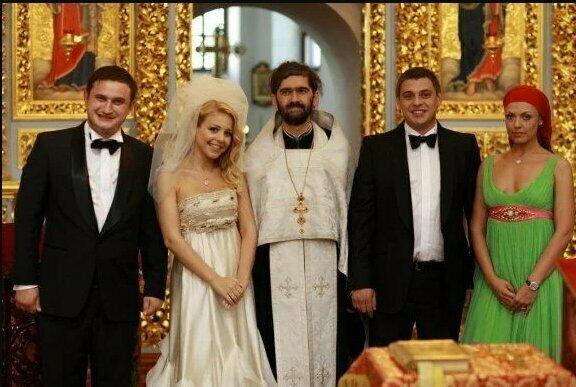 Как Кароль, Волочкова, Пугачева и другие звездные невесты выглядели на своих свадьбах: топ ярких фото