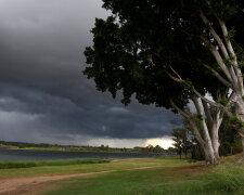 Шторм, облачно, погода.