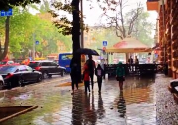 Октябрь обрушит на Одессу всю мощь непогоды: зальет дождями и не только