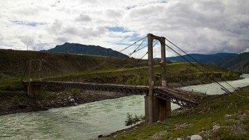 висячий-мост-через-реку-катунь