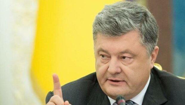 Нова зовнішність Порошенко справила фурор, на нових кадрах не впізнати: «Заплатив тисячі євро за...»
