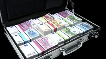 евро, чемодан, деньги
