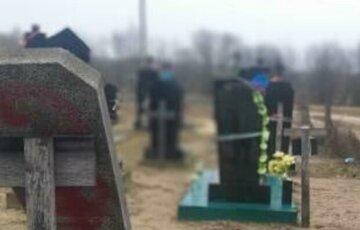 Вандал разрыл могилу умершего приятеля на Одесчине: хотел отомстить