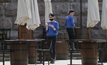 Киев попал в  новую зону карантина: какие ограничения действуют в столице