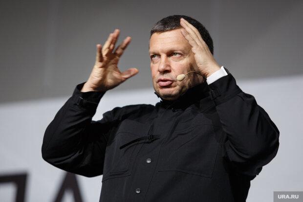 Знавіснілий путінський блазень пригрозив українцям, гримить скандал: «плаватимуть в річках»