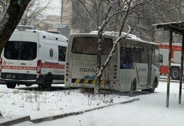 Переполох в Киеве: в центр города стягивают силовиков и спасателей, кадры с места событий