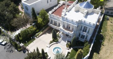 Как живут самые богатые люди Одессы: роскошные дворцы показали с высоты, фото