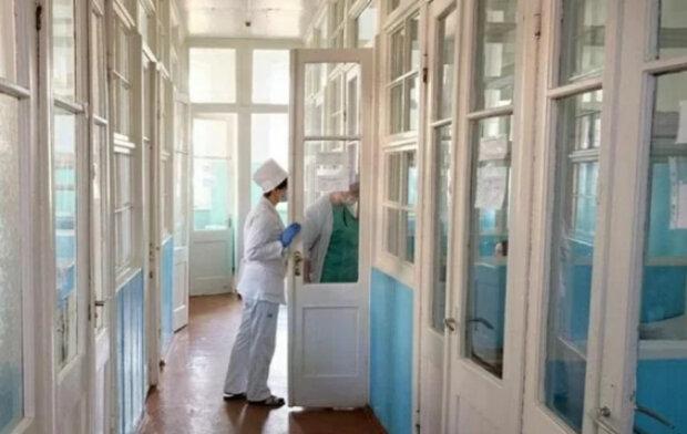"""""""Якщо навіть захворіли"""": українцям порадили уникати лікарень під час карантину, в чому причина"""