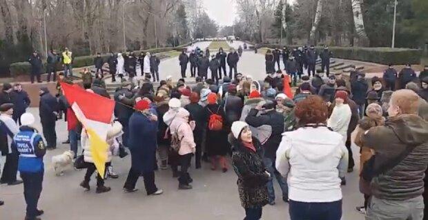 """Любителі """"руського миру"""" влаштували шабаш в Одесі, відео: """"вижили з розуму"""""""