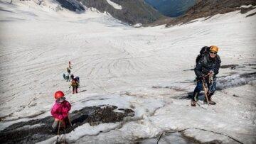 """""""Похід тривав 20 днів"""": п'ятирічна українка піднялася в гори висотою 4000 метрів, кадри"""
