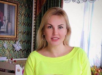 """Самая богатая певица Украины Камалия показала свою молодую маму, которая ищет любви: """"Ты мировая..."""""""