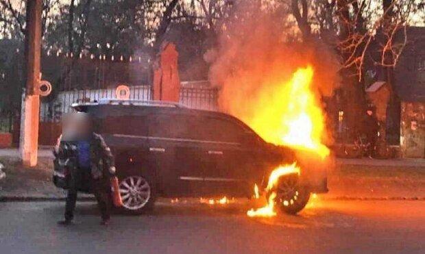 """""""Ущерб на миллион"""" : в Одессе пожарник промышлял поджогами  авто, фото"""