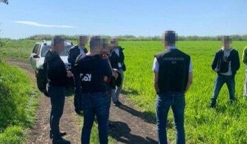 """Поліцейського схопили на гарячому в Одеській області: """"світить 10 років в'язниці"""""""