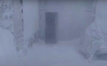 Українську землю засипає снігом посеред весни: де вирує негода, фото і деталі