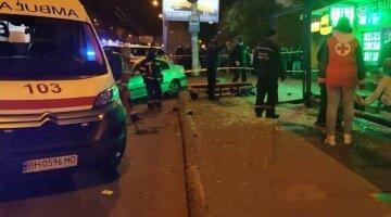 Одессит влетел в остановку с людьми, дети среди пострадавших: кадры и детали аварии