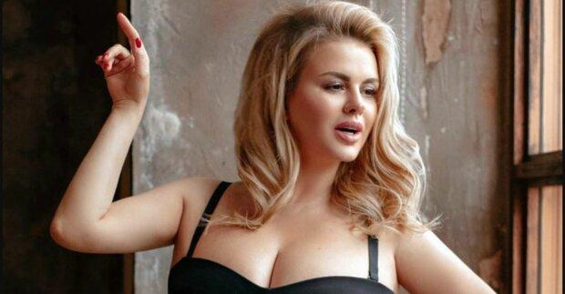 Безсоромна Семенович показала, за що її обожнюють мільйони чоловіків: так і хочеться помацати