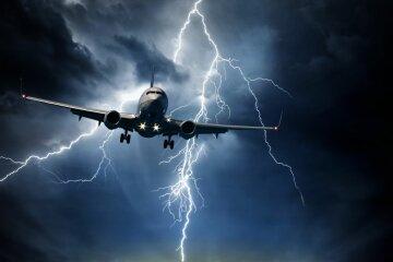 самолет молния